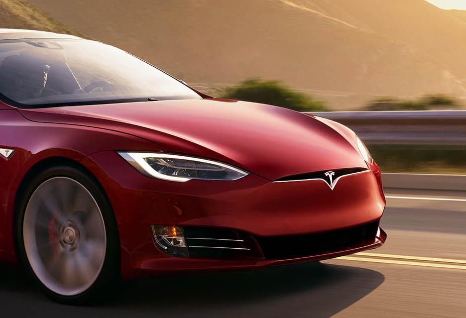 Dlaczego Elon Musk zamierza wycofać firmę Tesla z giełdy i dlaczego dopiero teraz?