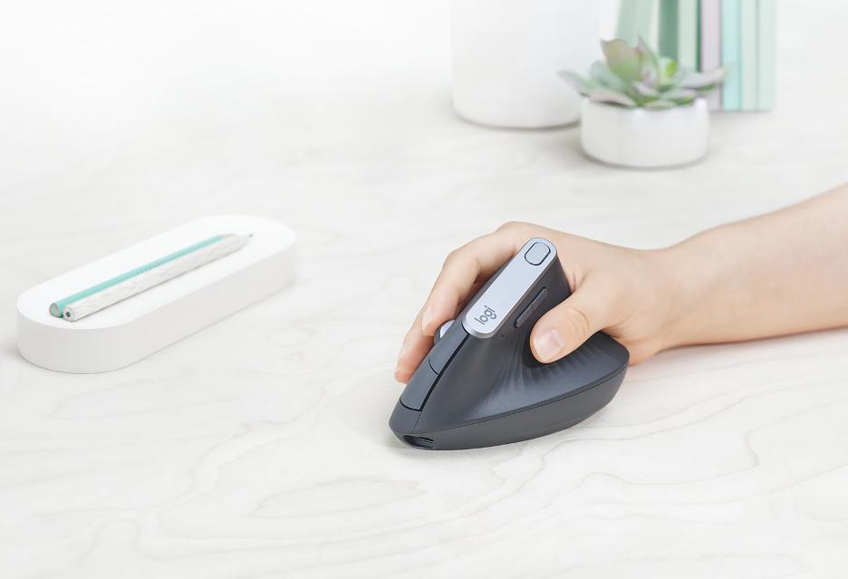 """""""Nasza najbardziej ergonomiczna myszka"""" - oto Logitech MX Vertical"""
