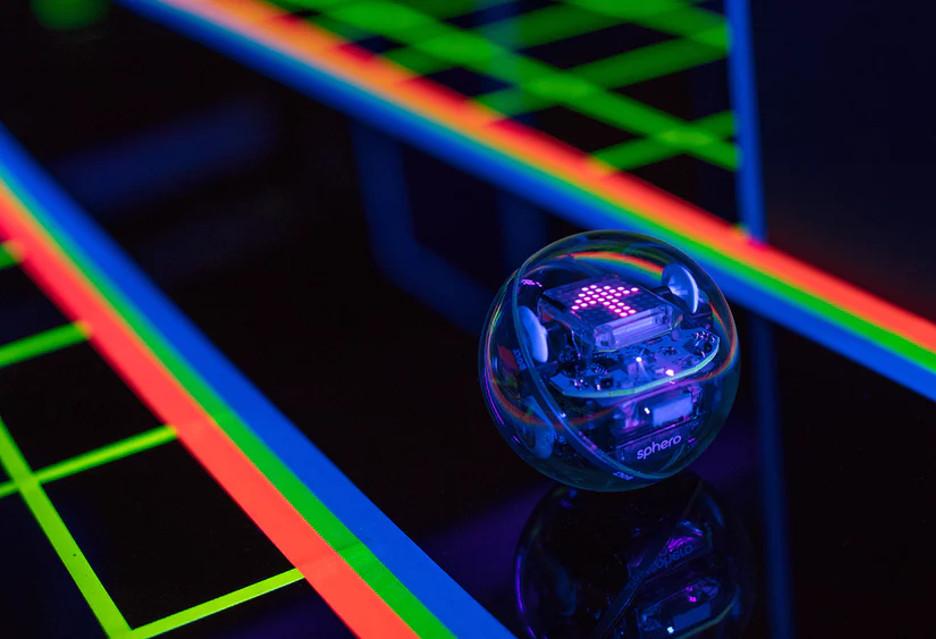 Sphero Bolt, czyli nauka przez zabawę wchodzi na kolejny poziom