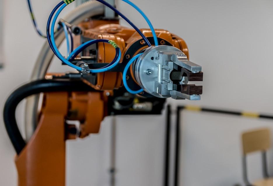Roboty - ile miejsc pracy zabiorą, a ile pomogą utworzyć?