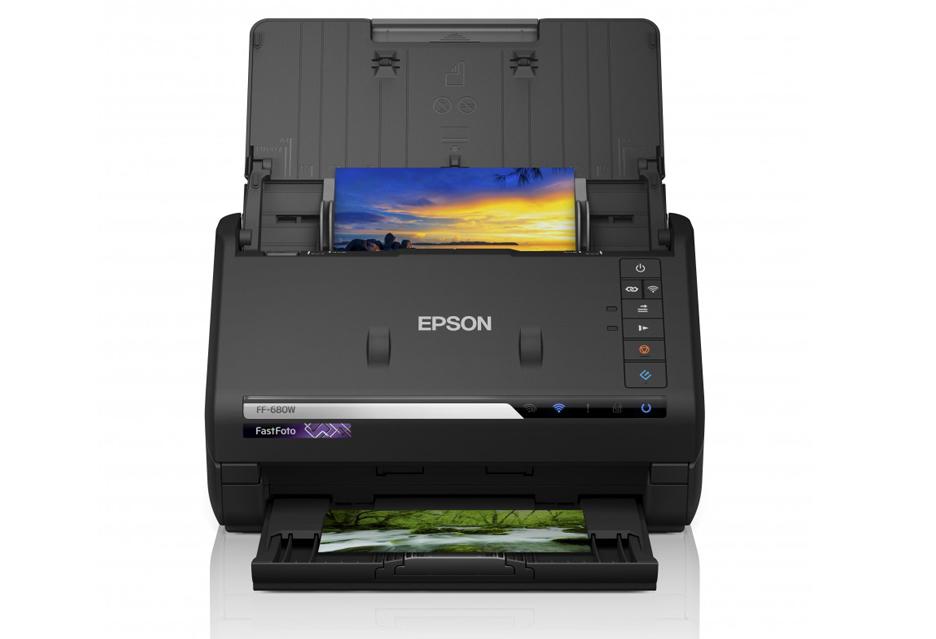 Masz dużo papierowych odbitek? - Epson FastFoto zamieni je migiem w JPEGi