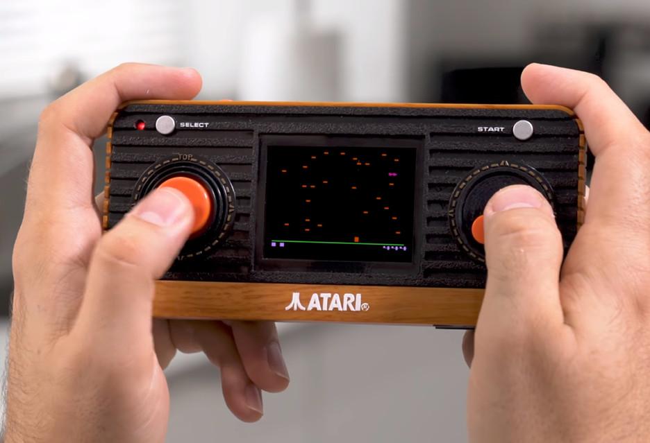 Oto Atari Retro Handheld - sprzęt, którego nazwa mówi wszystko