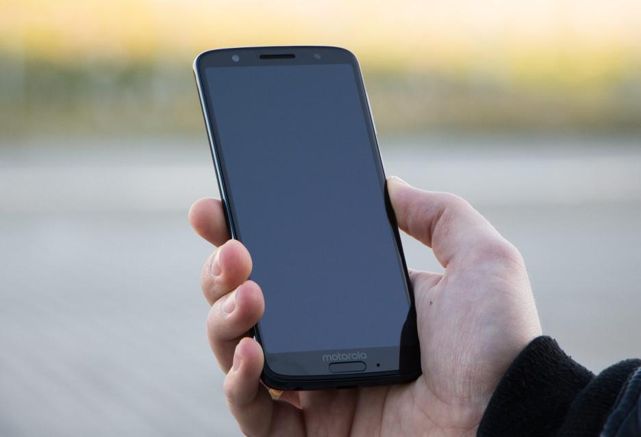 Motorola Moto G6 - jeden z lepszych smartfonów do 1000 zł | zdjęcie 2
