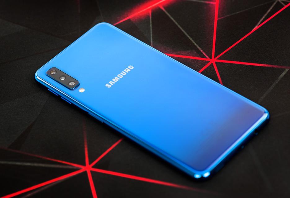 Samsung Galaxy A7 2018 - recenzja | zdjęcie 3