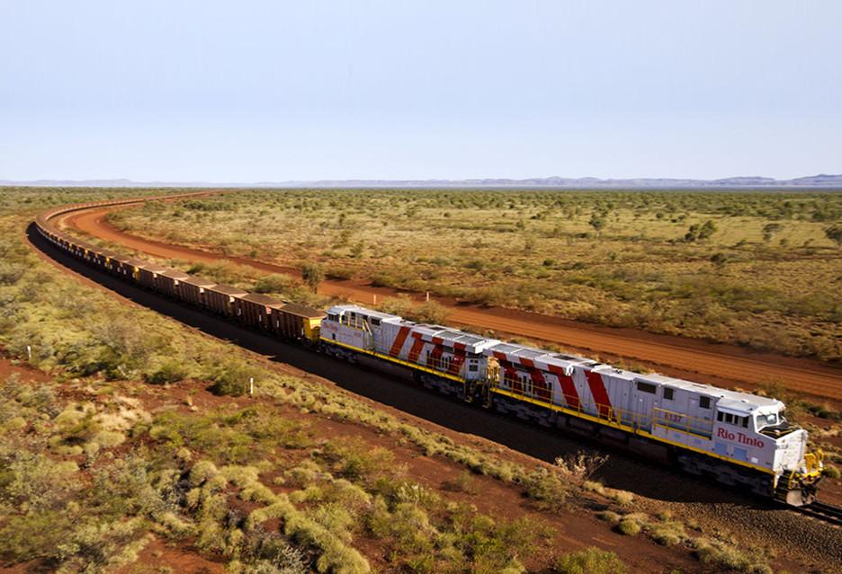 Ten pociąg jeździ sam - od kopalni do portu i z powrotem