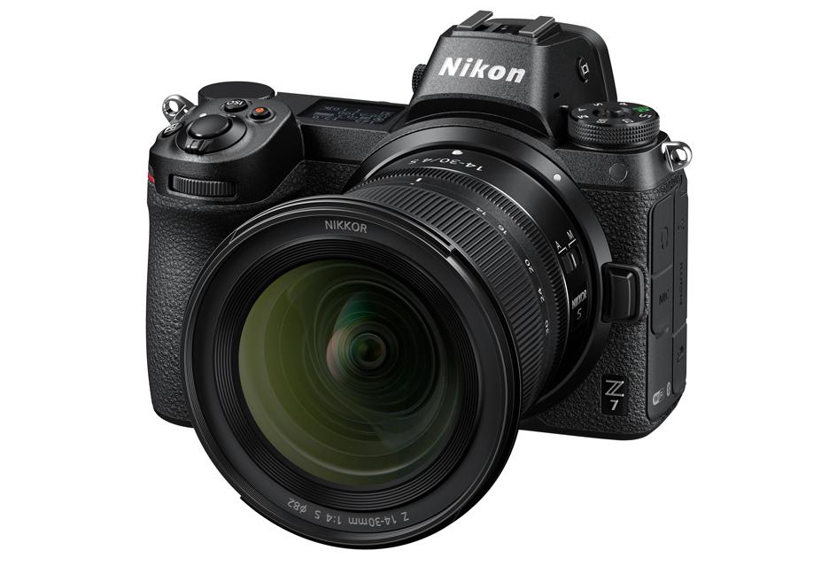 Nikon traktuje swoje bezlusterkowce serio - wideo w formacie RAW i obiektyw 14-30 mm