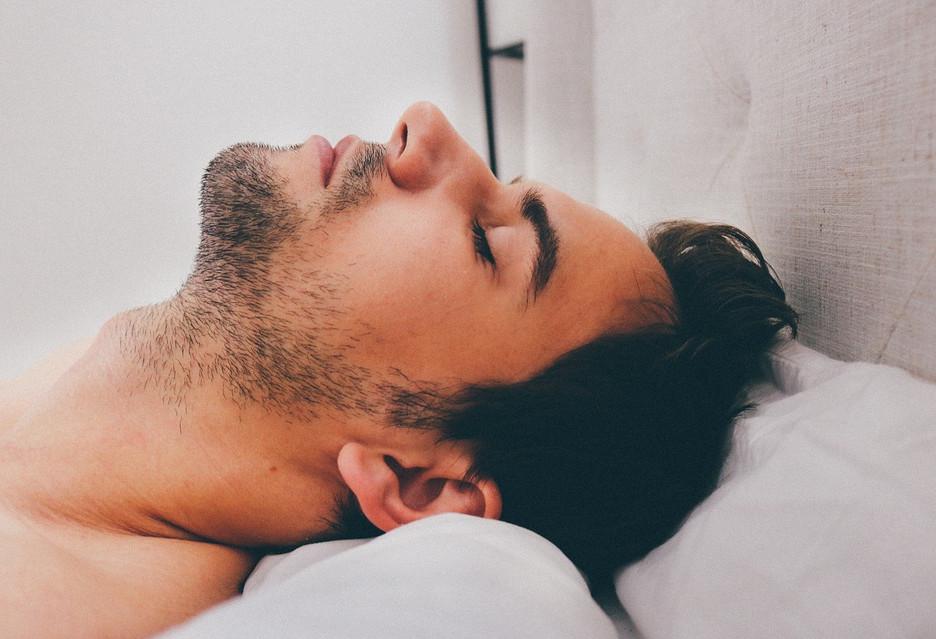 Każdego miesiąca specjaliści IT śpią o 27 godzin krócej niż powinni, ...szczęściarze