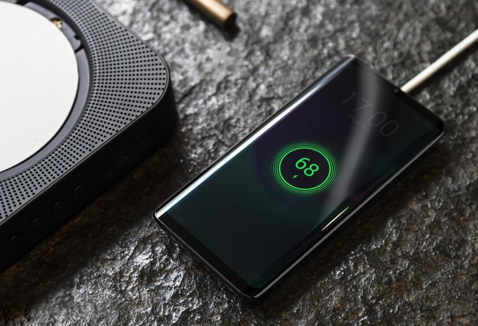 Tego jeszcze nie było - Meizu Zero to smartfon bez fizycznych przycisków i złączy