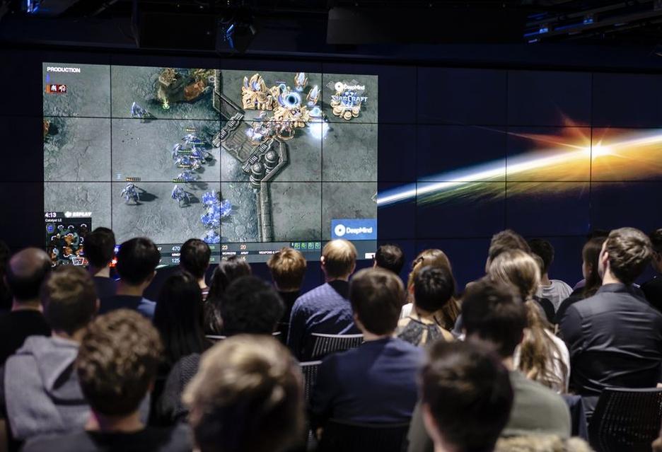 Sztuczna inteligencja nie daje szans graczom w Starcraft II