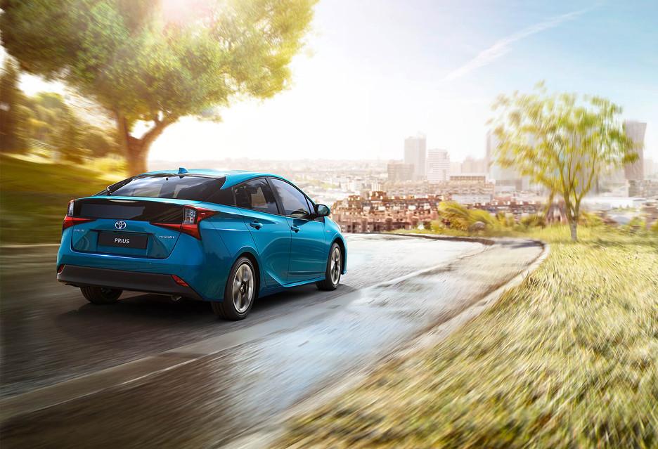 Toyota uwolniła patenty - 20 lat rozwoju pojazdów elektrycznych