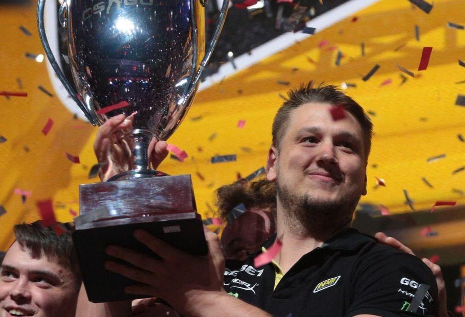 Fnatic i Na'Vi w Wielkim Finale StarSeries i-League