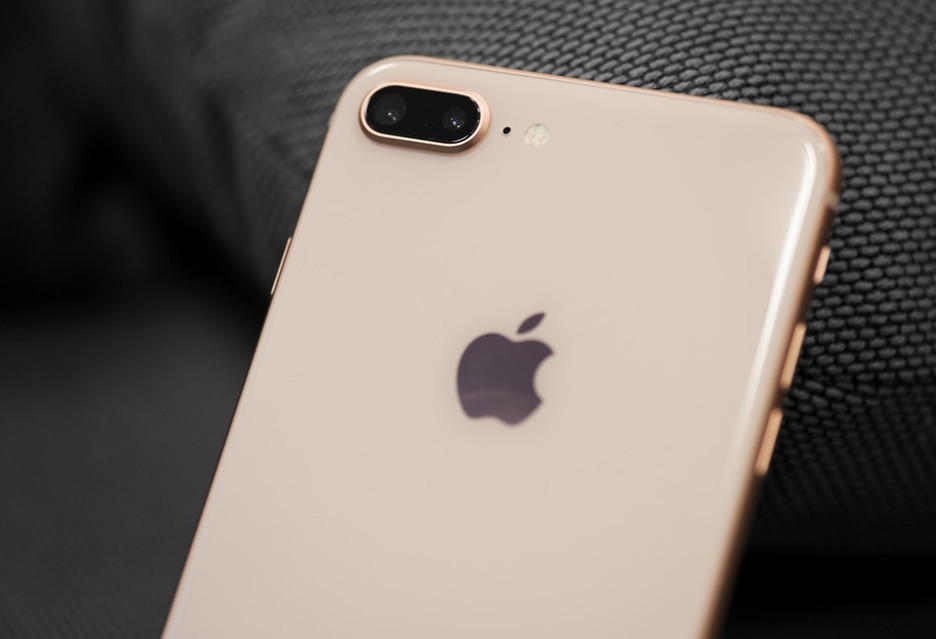 Rekordowy spadek sprzedaży iPhone'ów