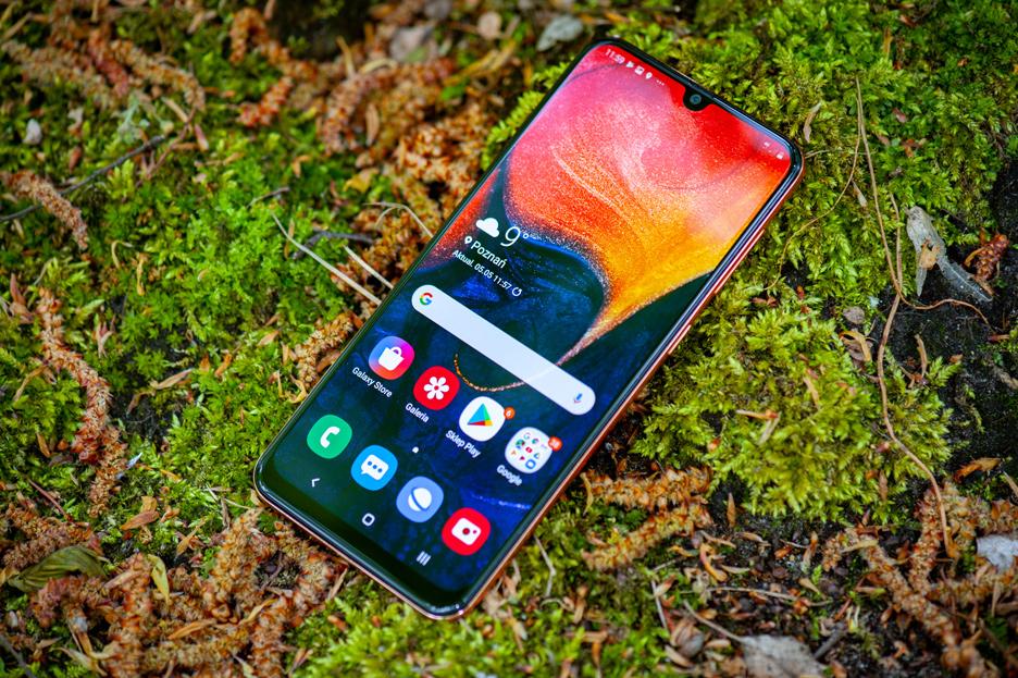 Samsung Galaxy A50 - czy warto go kupić? Recenzja | zdjęcie 2