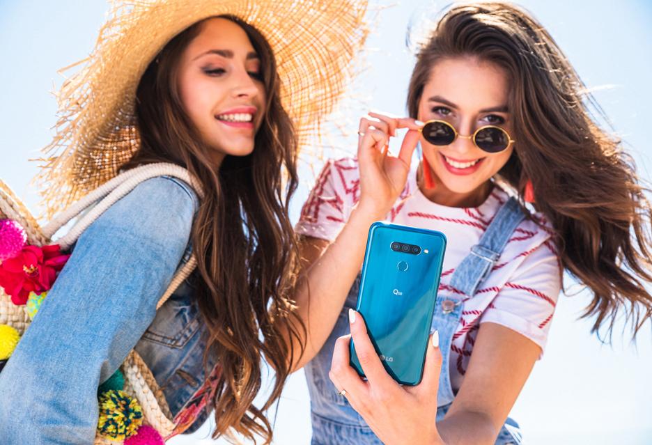 LG Q60 - fotosmartfon dla Social Animals (cena, specyfikacja)