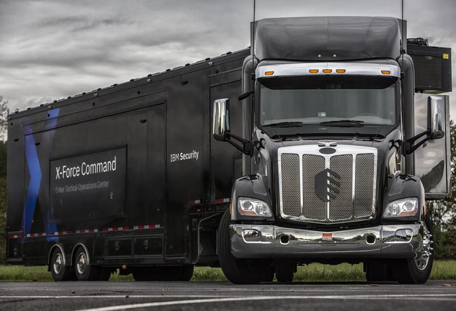 Niezwykła ciężarówka IBM - to mobilne centrum bezpieczeństwa