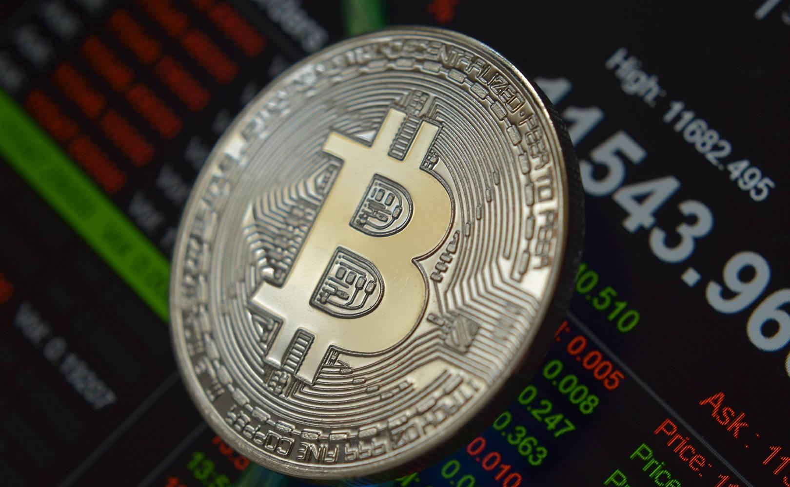 10 bitcoin)
