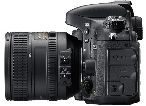Nikon D600 widok bok złącza
