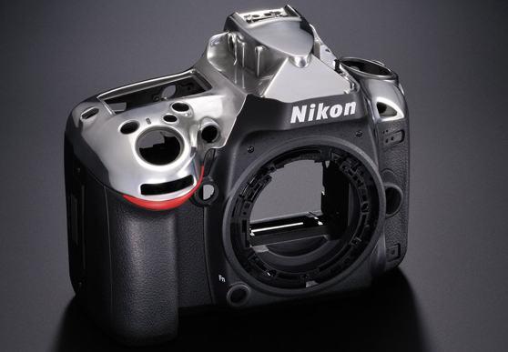 Magnezowe elementy korpusu Nikon D600 widok