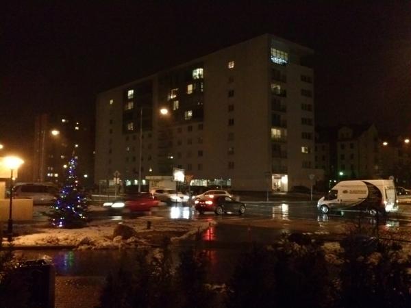 Zdjęcie wieczorem LG L9