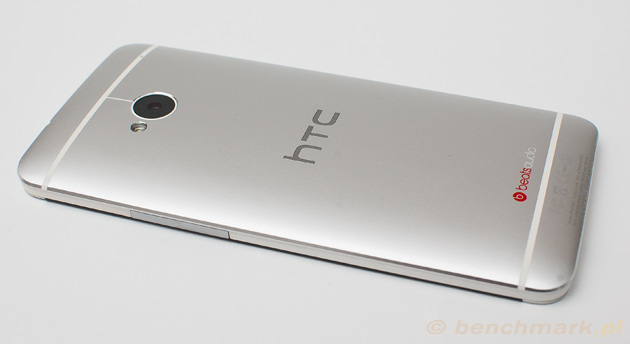 HTC One bok prawy