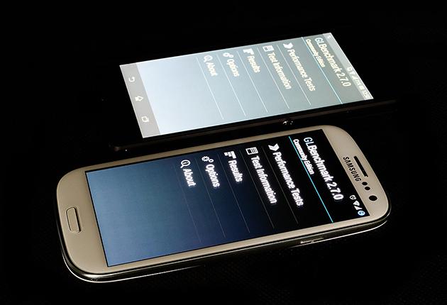 Sony Xperia Z - głębokość czerni