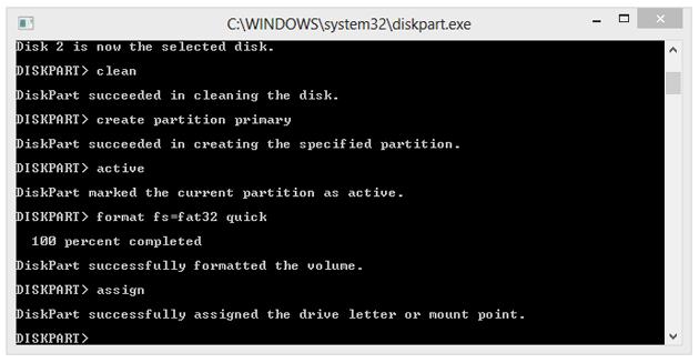 """Utworzenie i sformatowanie partycji nie jest jednoznaczne z przypisaniem do niej odpowiedniej litery. Dokonujemy tego komendą """"assign"""". Litera zostanie przypisana automatycznie, a partycja będzie dostępna z poziomu Eksploratora Windows."""