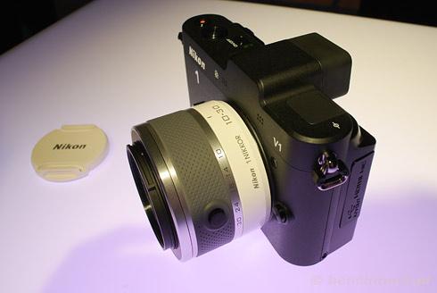 Nikon 1 V1 przód