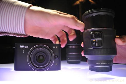 Konik 1 J1 i 1 Nikkor VR 10-100 mm PD-ZOOM