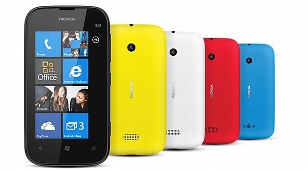 Nokia Lumia 510 smartfon prezentacja kolorowe obudowy