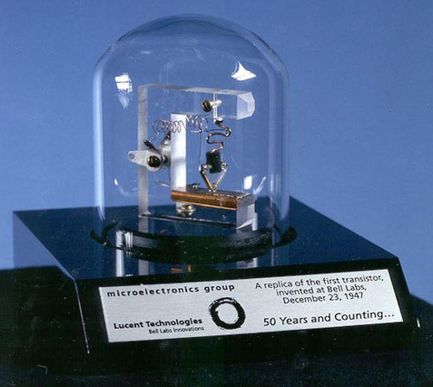 Tranzystor - replika Bell Labs