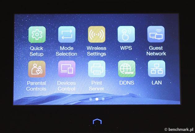 Obsługa systemu przy użyciu ekranu jest intuicyjna, a interfejs przypomina ten ze smartfonów