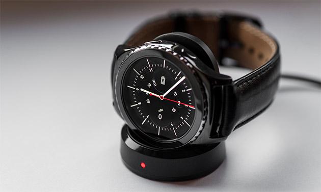 Samsung Gear S2 - ładowarka indukcyjna
