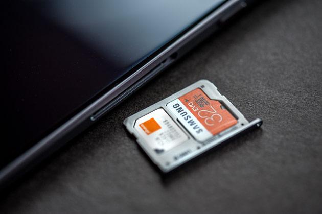 Samsung Galaxy A5 2016 - karta microSD oraz nano SIM