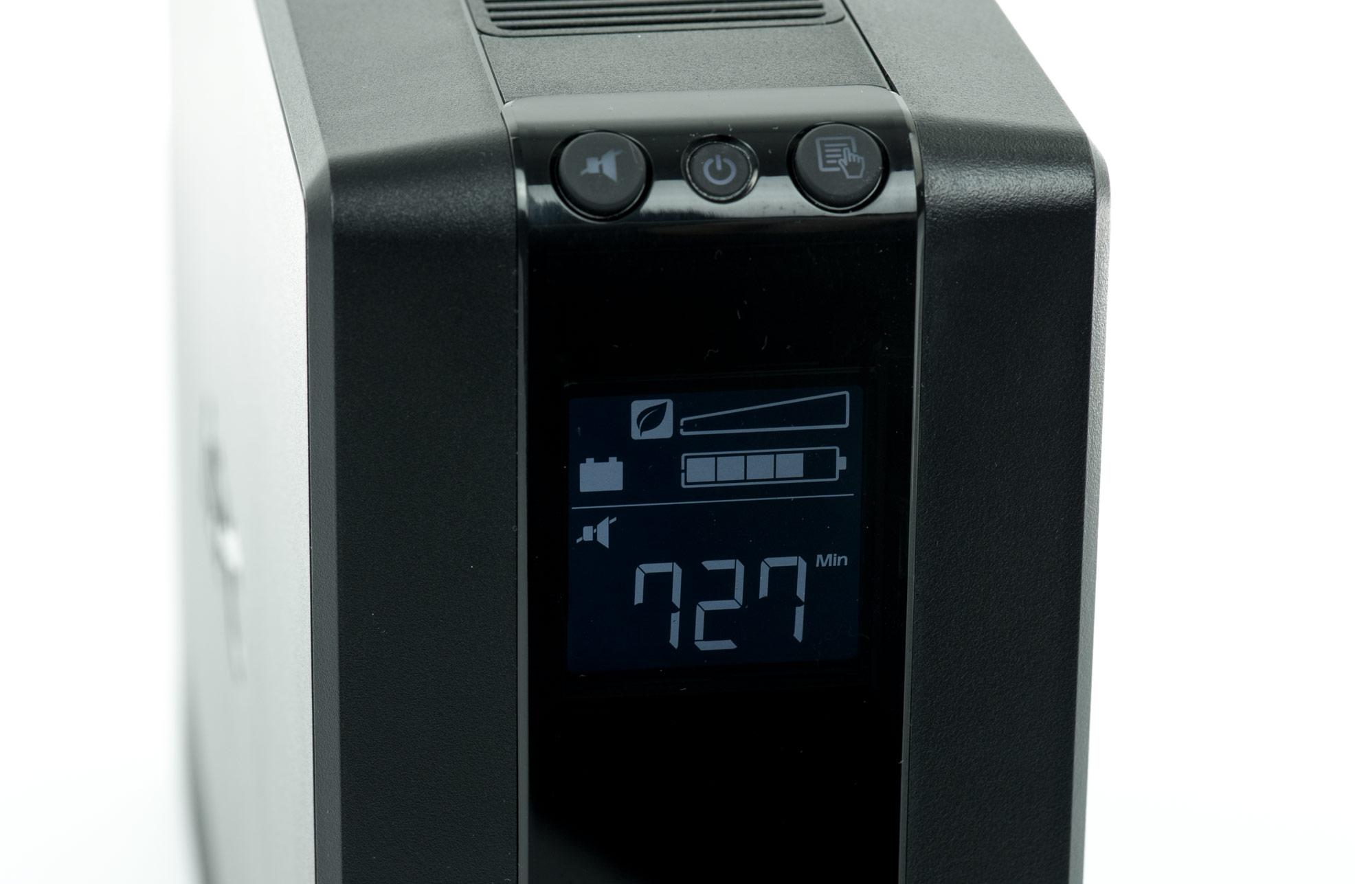 APC model Back-UPS Pro 900 - wyświetlacz