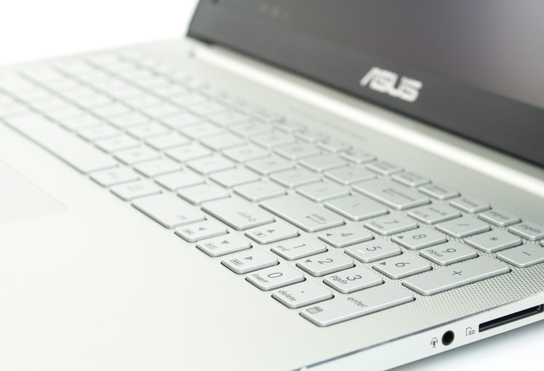 Asus Zenbook Pro UX501 panel numeryczny