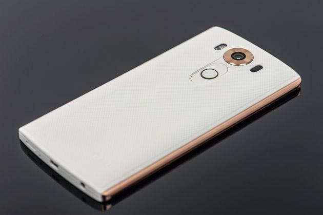 LG V10 - tył