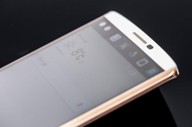 LG V10 - przód