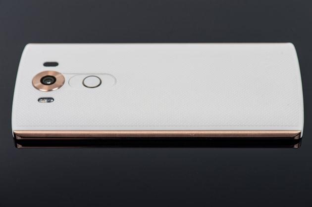 LG V10 - prawy bok