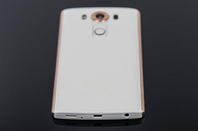 LG V10 - dół