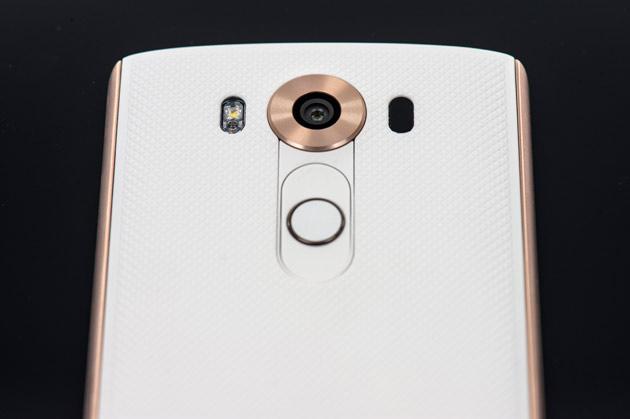 LG V10 - aparat z tyłu