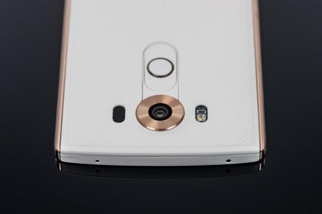 LG V10 - góra