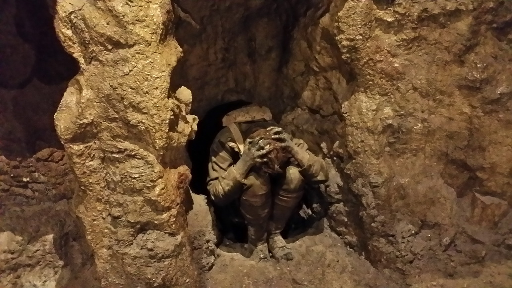 Spotkanie z Wargaming w muzeum w Bovington - skulony żołnierz