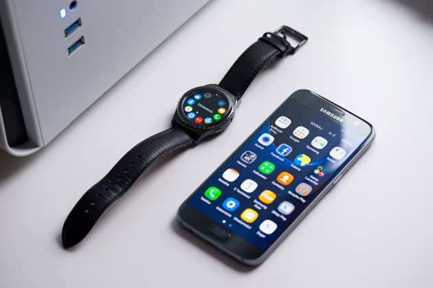 Samsung Galaxy S7 i Gear S2