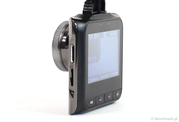 Xblitz P100 - ekran pod kątemn