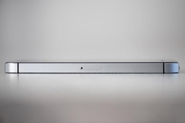 iPhone SE - prawy bok