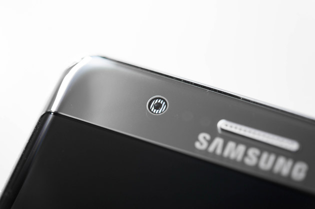 Samsung Galaxy Note 7 - dioda IR skanera tęczówki