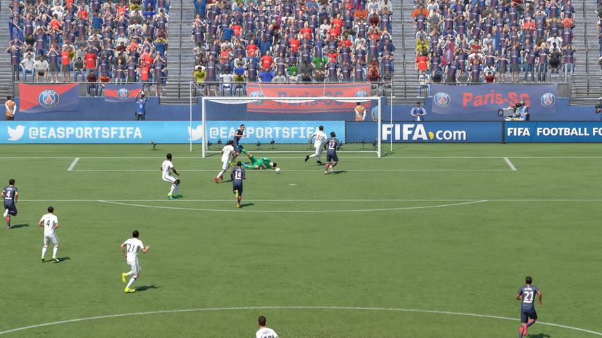 FIFA 17 - akcja pod bramką