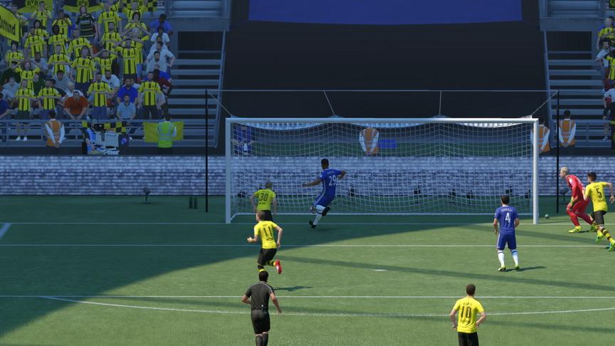 FIFA 17 - wturlanie piłki do bramki