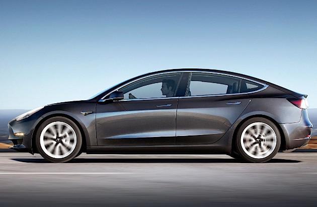 Tesla Model 3 bok
