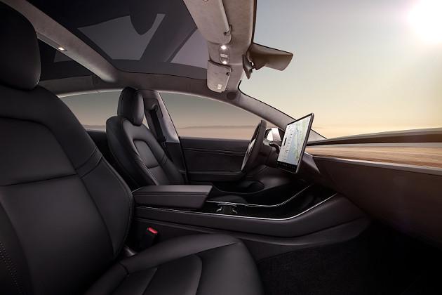 Tesla Model 3 wnętrze